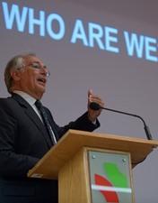 Sobrinho Simões elogia a investigação realizada no CHL e defende o estudo clínico do doente