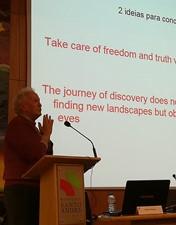 Alexandre Quintanilha falou de ética e evolução para uma plateia «ávida de o ouvir»